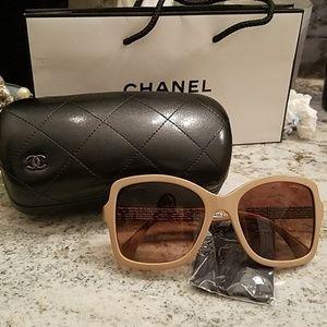 NWT CHANEL Blush & Silver CC Sunglasses
